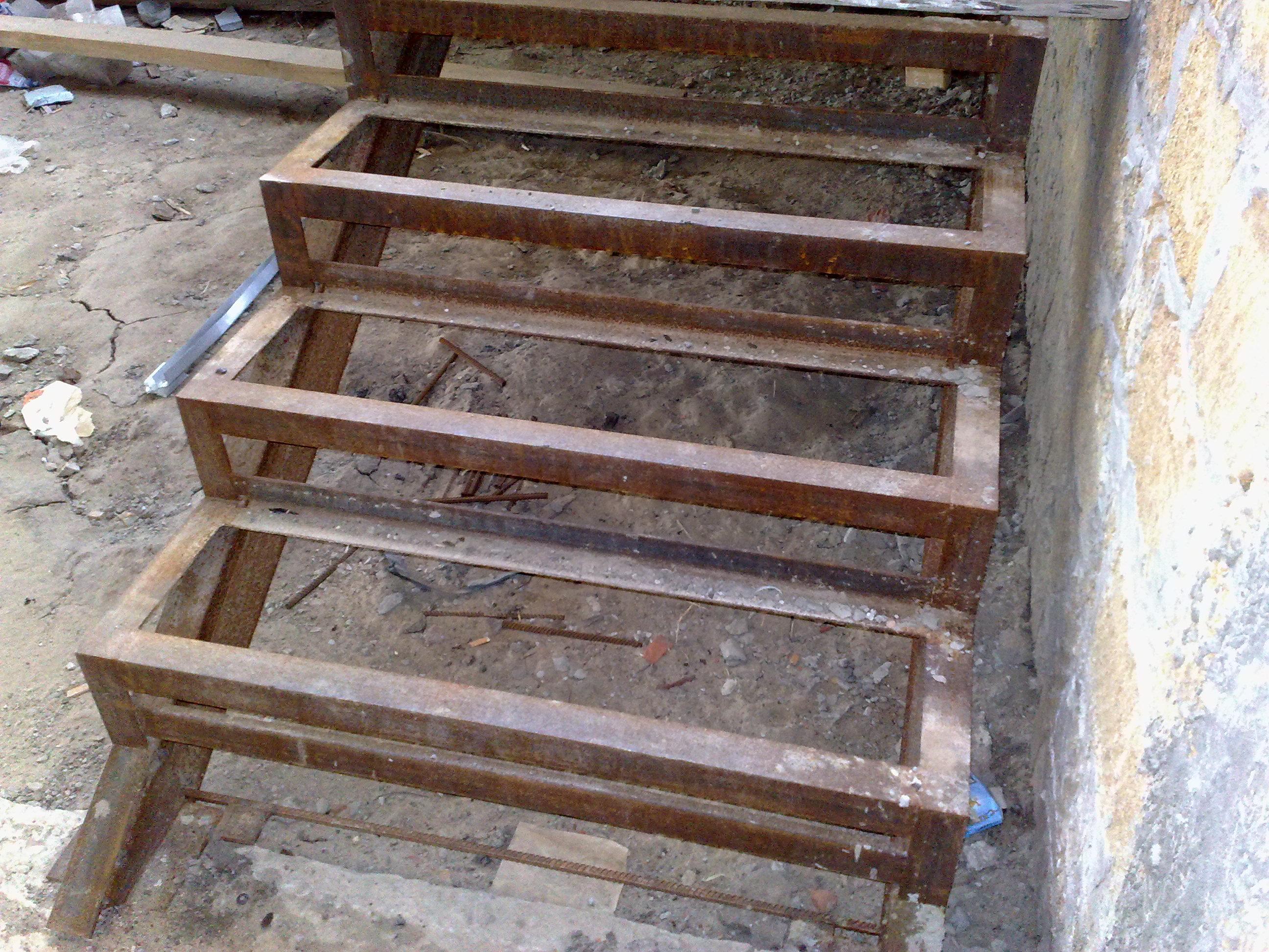Лестница из металла и бетона своими руками 37
