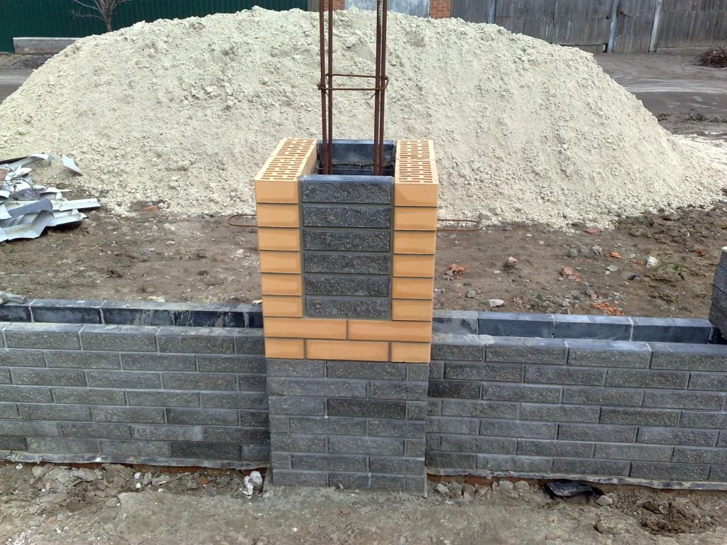 Ограда из кирпича своими руками 70