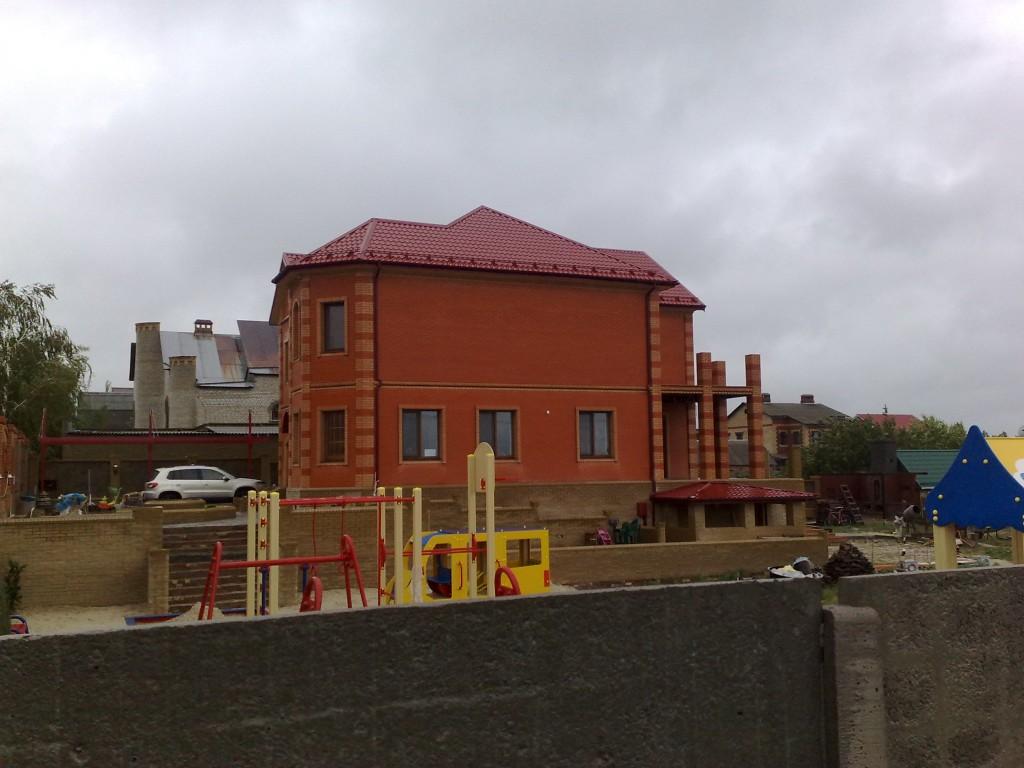 Вид дома с боку