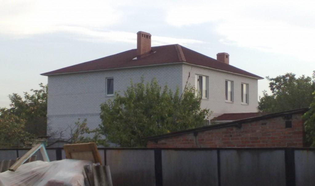 Двухэтажный дом.
