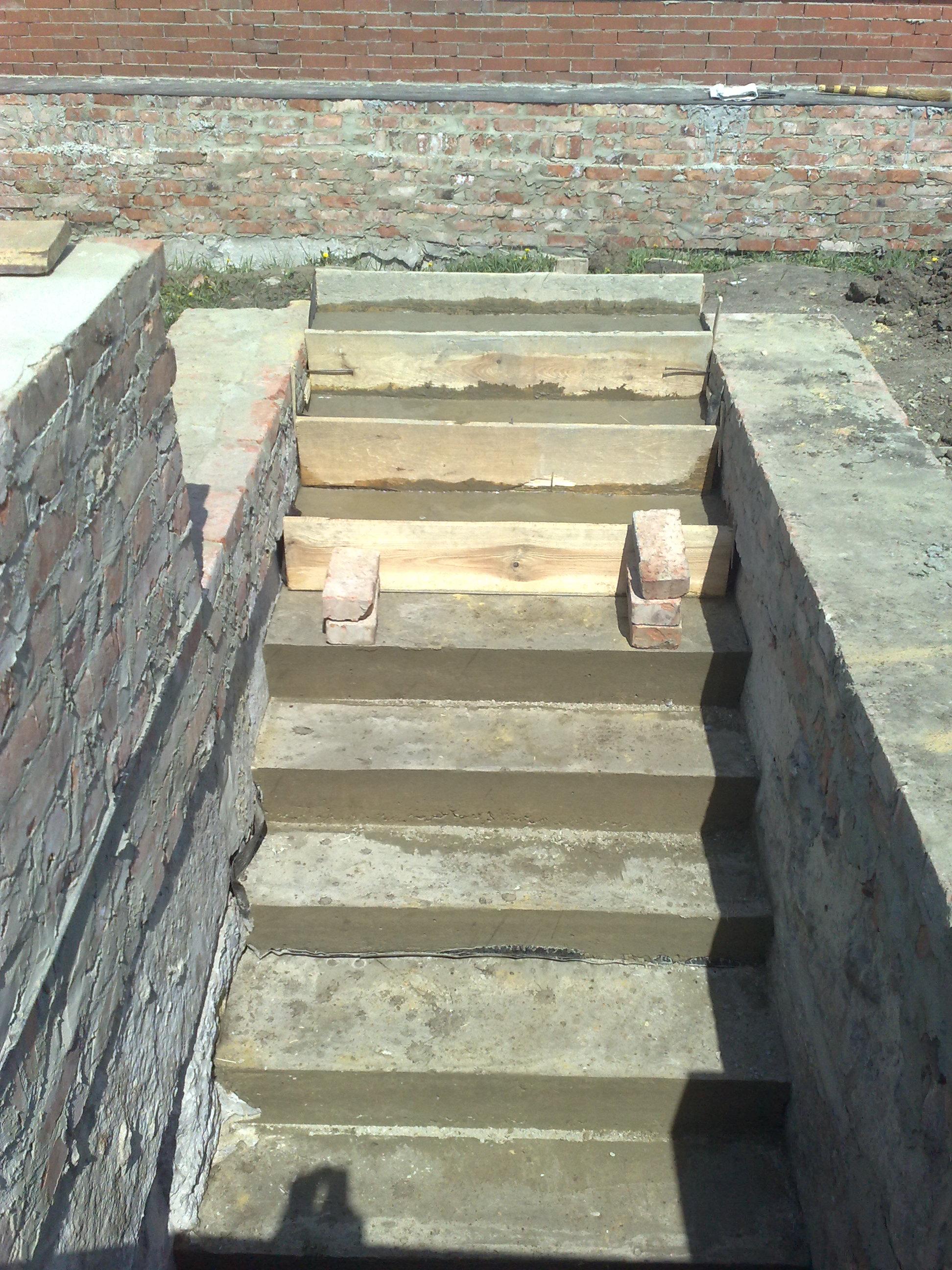 Бетонная лестницы в подвал своими руками 52