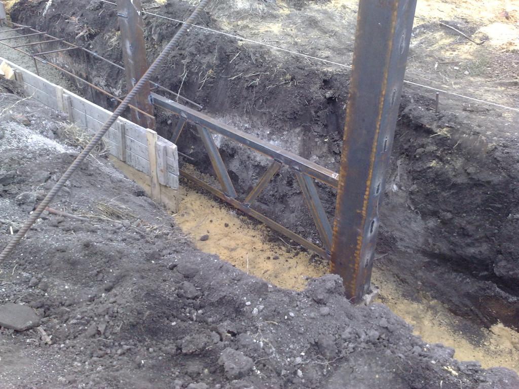 Приварили ферму под колиткой