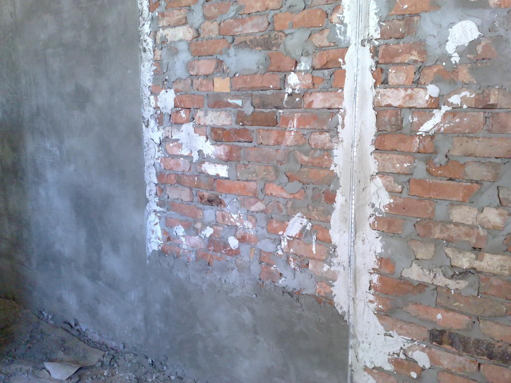 Чем штукатурить стены?