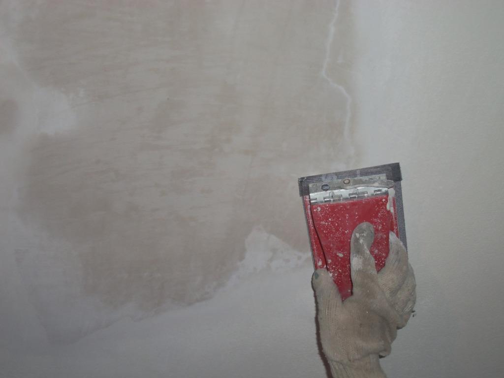 Выравниваем поверхность потолка
