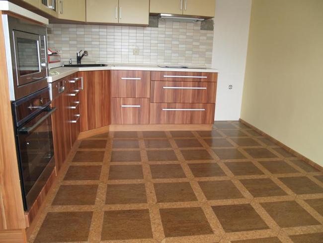Настенная плитка на кухне